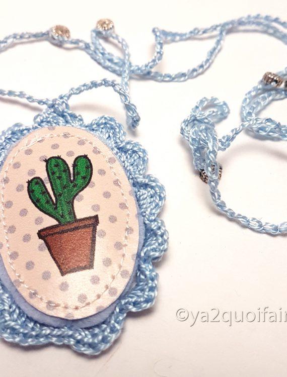 collier cactus bleu